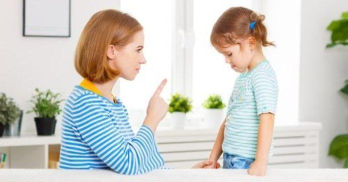 7 lỗi dạy con lớn nhất cha mẹ thường mắc phải