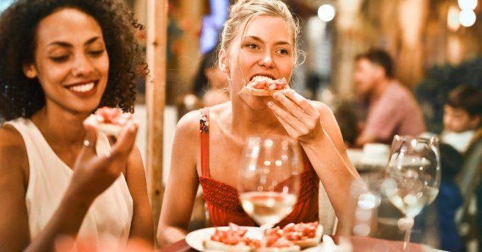 Để tránh gây hại cho sức khỏe và kéo dài tuổi thọ; sau bữa ăn bạn đừng vội vàng làm 6 việc này